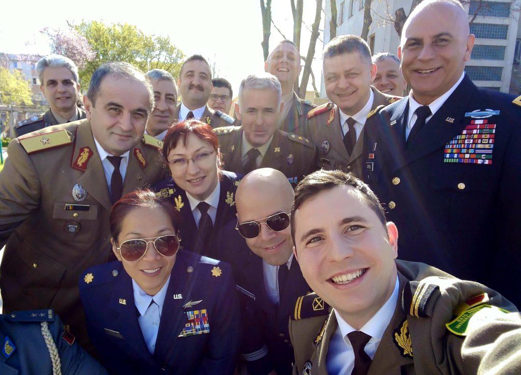 Adrian Murariu Selfie cu generali