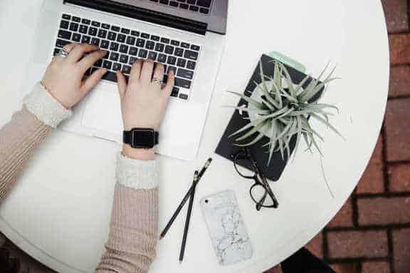Cum să scrii corect un email profesional