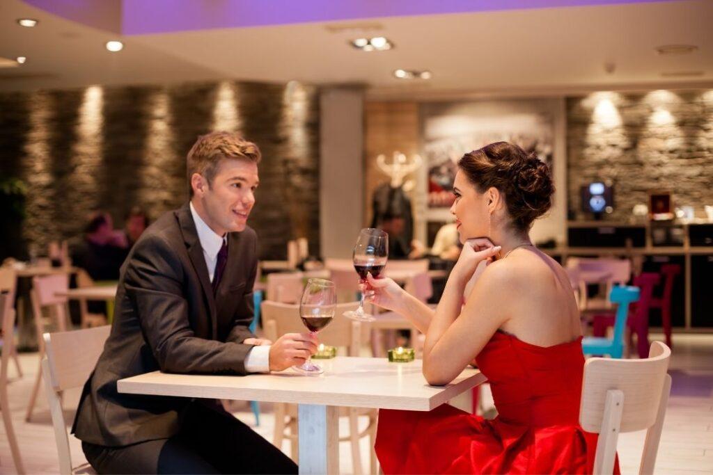 Scurt ghid pentru Ziua Îndrăgostiților, Valentine's Day, Dragobete sau orice întâlnire specială cu partenera ta